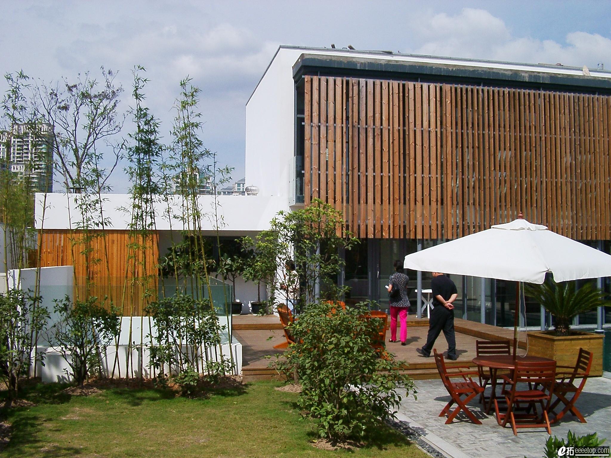 长方形3层欧式别墅外观效果图