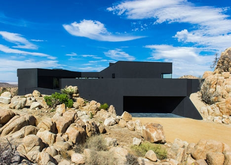 Desert-House-by-Oller-and-Pejic_dezeen_6.jpg