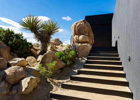 Desert-House-by-Oller-and-Pejic_dezeen_7.jpg
